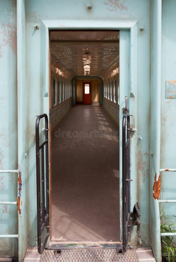 Velho esvazie o transporte do trem foto de stock royalty free