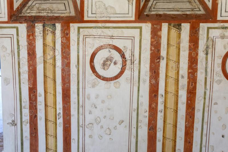 Velhos murais romanos de Gorsium-Herculia, aldeia do Império Romano em Tac, Hungria imagens de stock royalty free