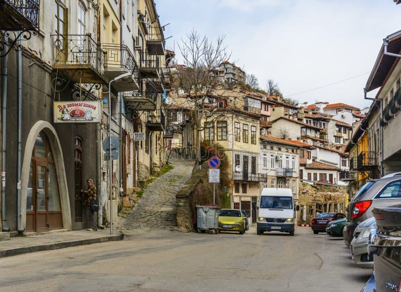 VELIKO TARNOVO, BULGÁRIA - 3 DE ABRIL DE 2015: Veliko Tarnovo s velho foto de stock royalty free