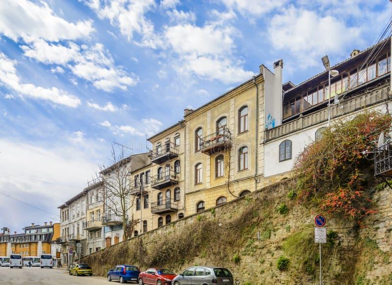 VELIKO TARNOVO, BULGÁRIA - 3 DE ABRIL DE 2015: Veliko Tarnovo s velho fotos de stock royalty free