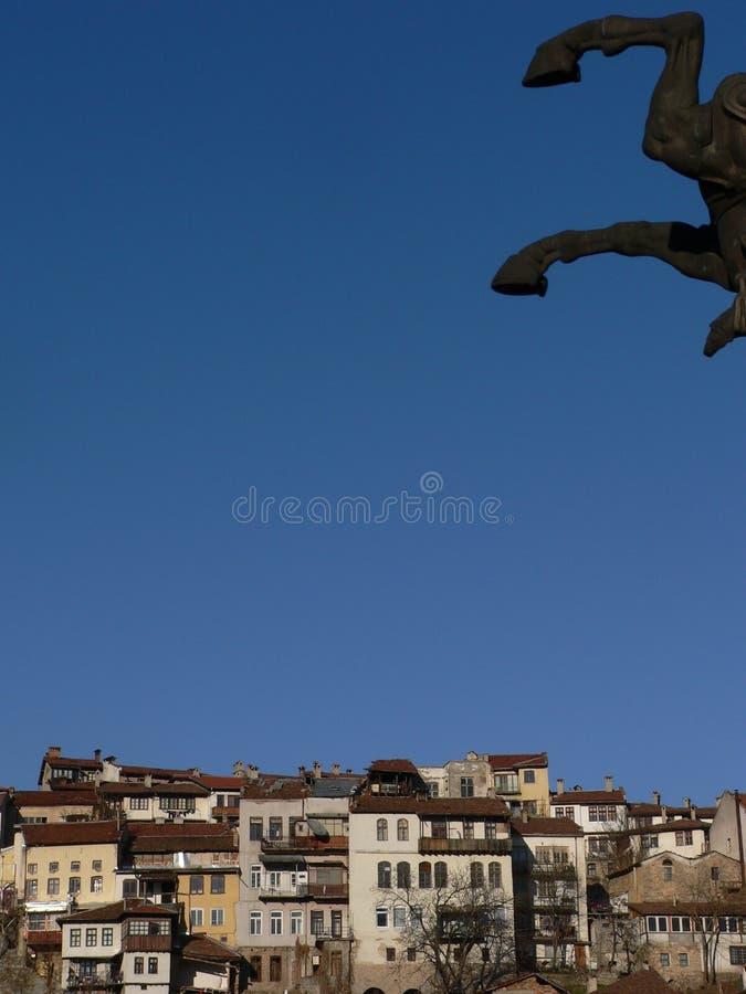 Veliko Tarnovo, Bulgaria Il monumento di Asenevci che è dedicato a re Asen, Peter, Kaloyan e Ivan Asen II immagini stock libere da diritti