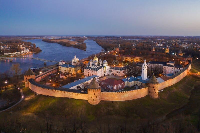 Veliky Novgorod, η παλαιά πόλη, οι αρχαίοι τοίχοι του Κρεμλίνου, καθεδρικός ναός του ST Sophia Διάσημη θέση τουριστών της Ρωσίας στοκ εικόνες με δικαίωμα ελεύθερης χρήσης