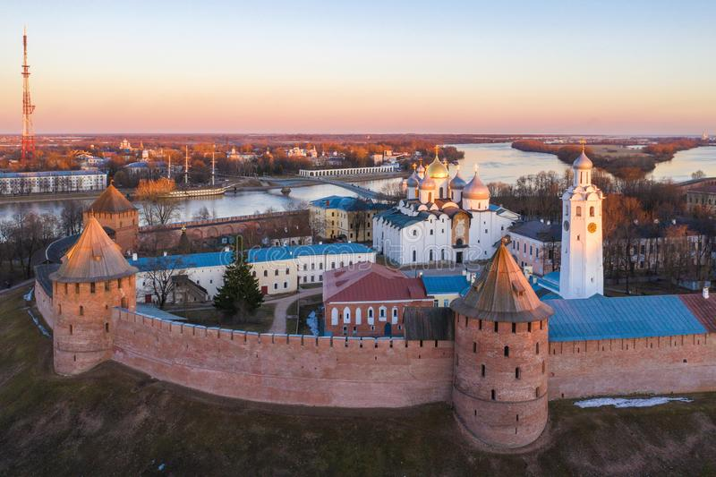 Veliky Novgorod antyczne ?ciany Kremlin i St Sophia katedra zdjęcie royalty free