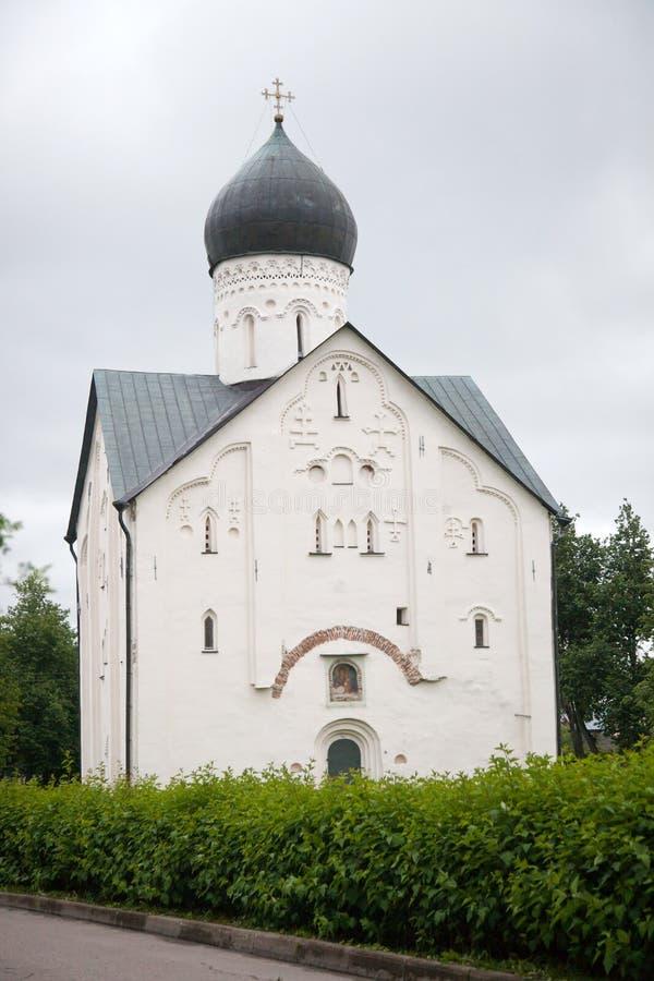 veliky novgorod för antagandeauktionkyrka Kyrka av omgestaltningen av vår frälsare royaltyfria foton