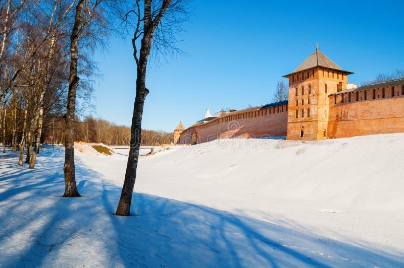Veliky Novgorod Kreml i vinterdag i Veliky Novgorod, Ryssland, panoramasikt royaltyfri fotografi