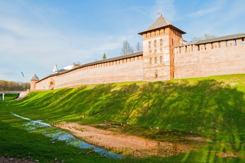 Veliky Novgorod Kremlfästning i Veliky Novgorod, Ryssland, panoramautsikt arkivbilder