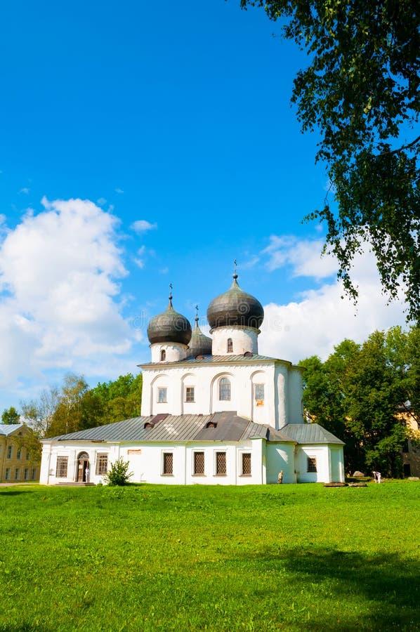 Veliky Novgorod, Rússia Catedral da natividade de nossa senhora no tempo ensolarado fotografia de stock