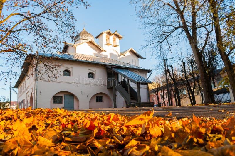 Veliky Novgorod, Rusia Iglesia de los Mirra-portadores en el patio de Yaroslav, Veliky Novgorod, Rusia imagenes de archivo