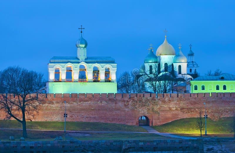 veliky przypuszczenia novgorod aukcyjny kościelny Rosja Kremlin z dzwonnicy i St Sophia katedrą fotografia royalty free
