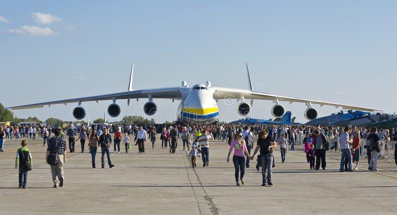 Velivoli di trasporto di Antonov An-225 fotografie stock