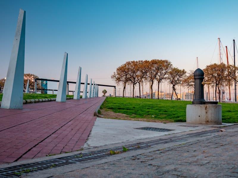 Vell portuario en Barcelona, Espa?a imágenes de archivo libres de regalías