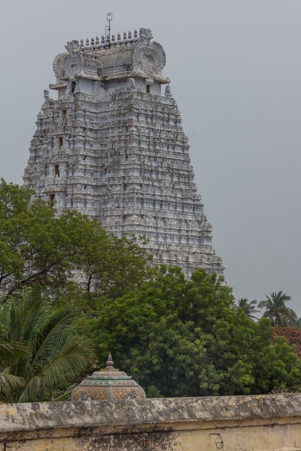 Vellai Gopuram al tempio di Shrirangam immagini stock