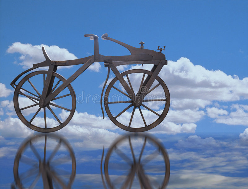 velocípedo en el cielo fotografía de archivo libre de regalías
