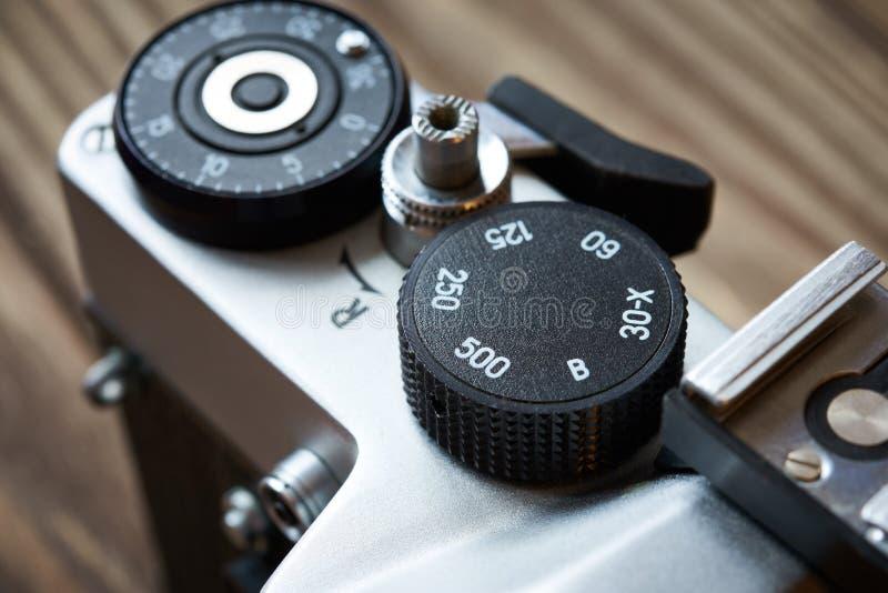 Velocidad de obturador del dial de control y contador del marco en la cámara de SLR imagen de archivo