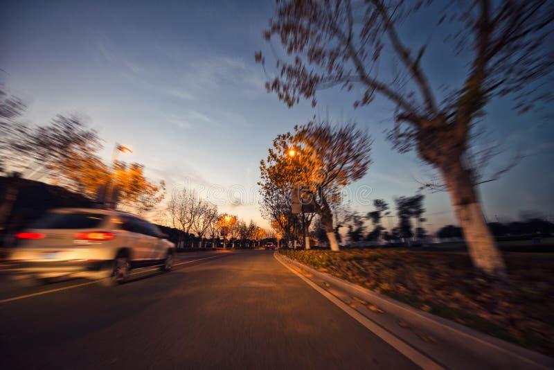 Velocidade do carro, cenário ao longo da estrada foto de stock royalty free