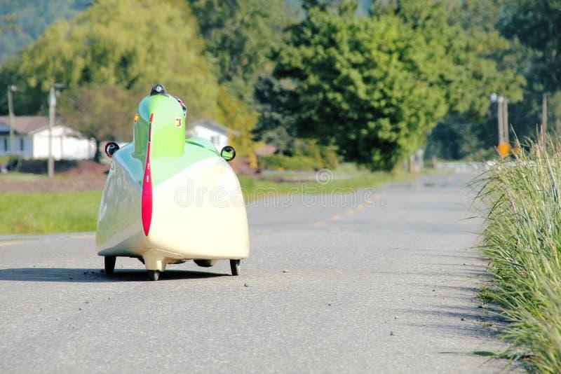 Velomobile o coche de la bicicleta imagen de archivo libre de regalías