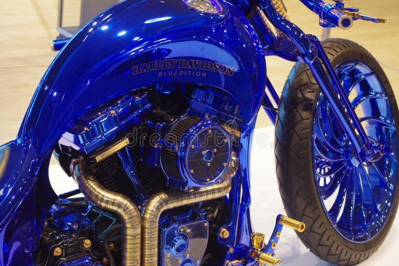 Velomotor Harley Davidson, edição azul fotos de stock