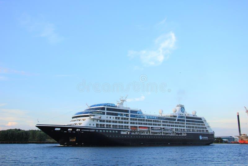 Velsen holandie - Sierpień, 27th 2016: Azamara poszukiwanie obrazy royalty free