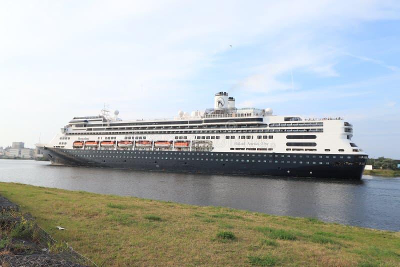 Velsen Nederländerna - Augusti 4th 2019: Ms Rotterdam arkivbilder