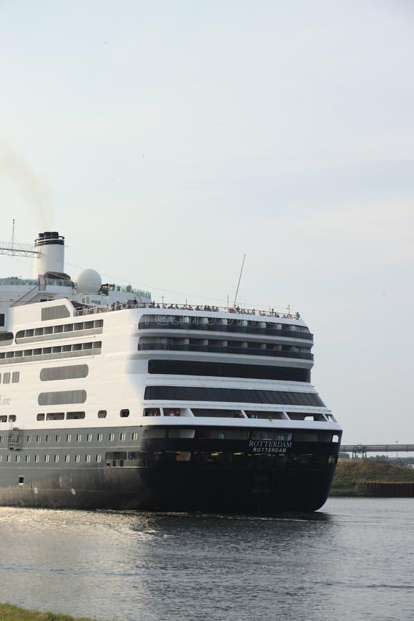 Velsen Nederländerna - Augusti 4th 2019: Ms Rotterdam royaltyfri fotografi