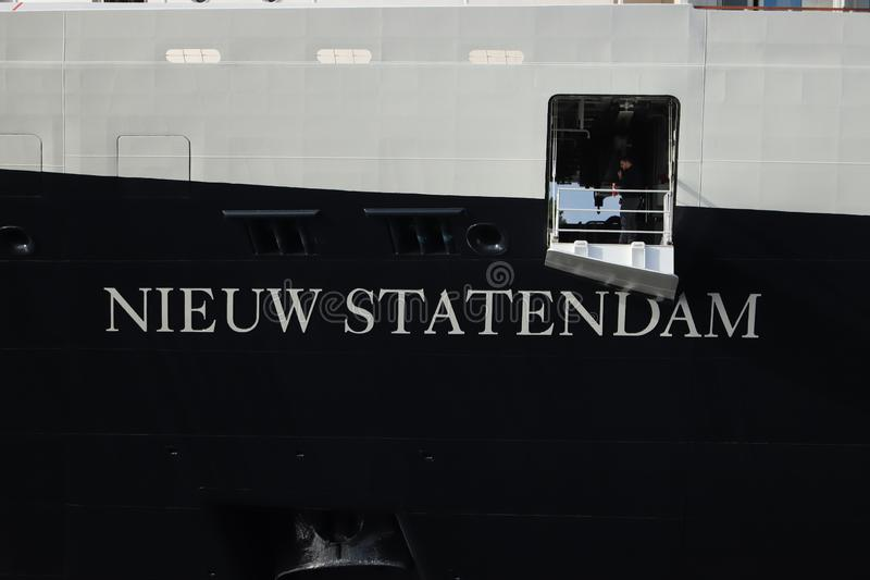 Velsen Nederländerna - Juli 7th 2019: Ms Nieuw Statendam royaltyfri foto