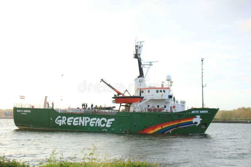 Velsen Nederländerna - Maj 9, 2015: Arktisk soluppgång royaltyfria bilder