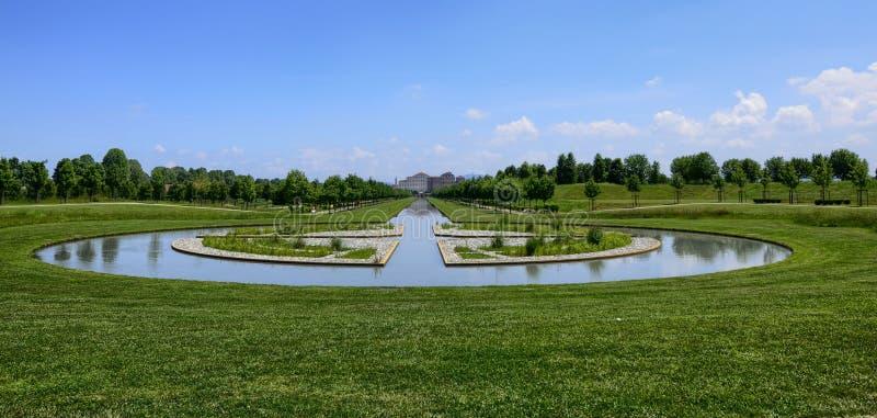 Venaria王宫的庭院的风景  免版税库存照片