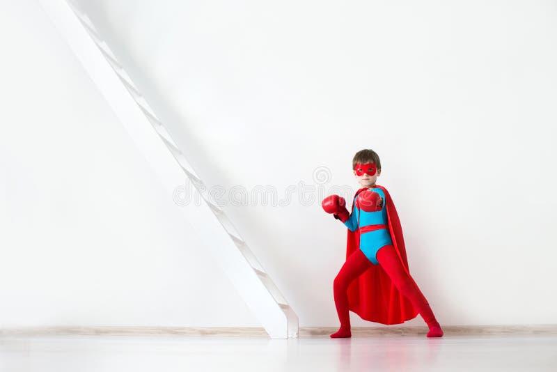 vencedor Super-herói da criança imagens de stock