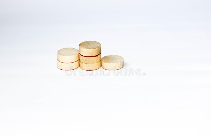 Vencedores podium criados com pequenos círculos de madeira fotografia de stock royalty free