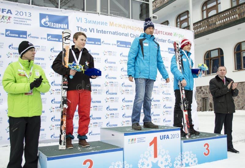 Vencedores VI de jogos do inverno das crianças internacionais de UFA foto de stock