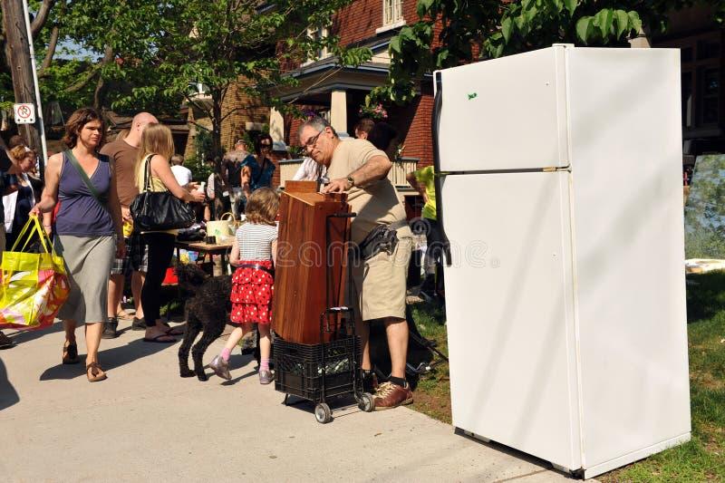 Venda de garagem de Glebe em Ottawa foto de stock