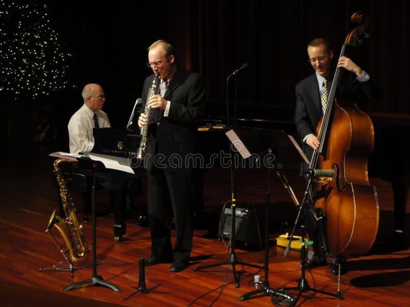 Venda de jazz de Trifecta en el templo imagen de archivo libre de regalías