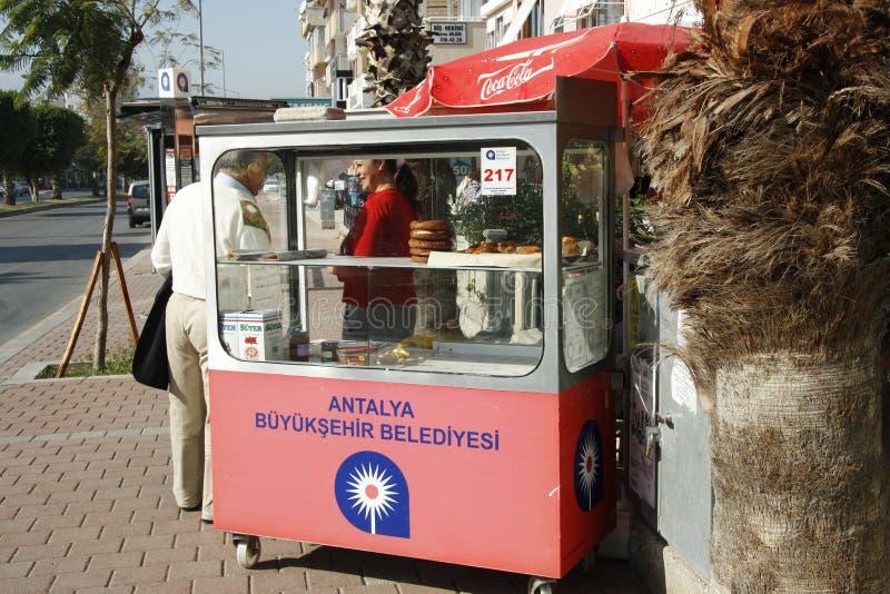 Vendedor ambulante do pão em Turquia imagens de stock