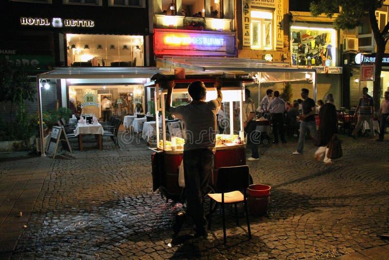 Vendedor ambulante em Karakoy, Bosphorus - Istambul fotografia de stock