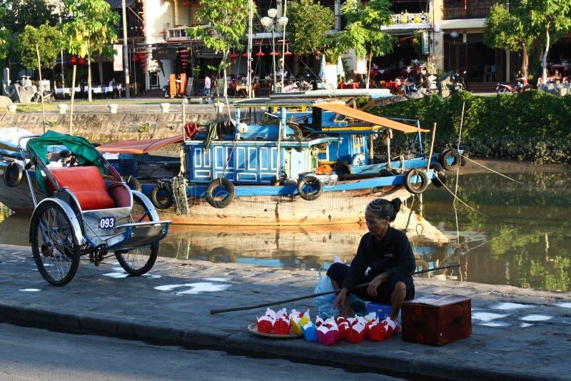Vendedor ambulante vietnamiano foto de stock