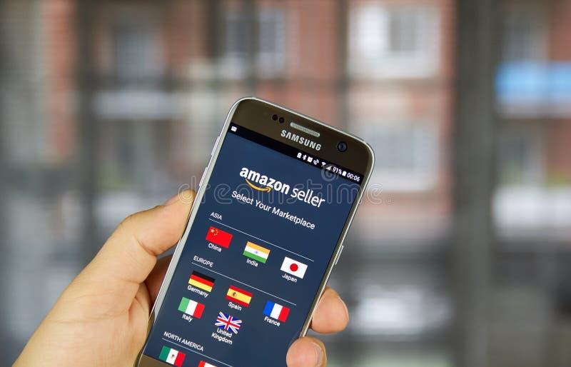 Vendedor app del Amazonas en Samsung S7 fotografía de archivo libre de regalías