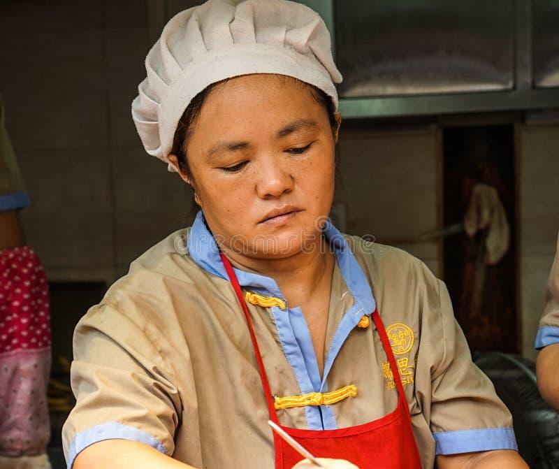 Vendedor de alimento da rua em Chengdu, China foto de stock royalty free