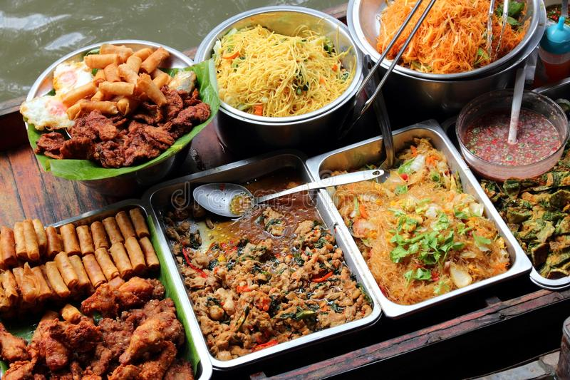 Vendedor de alimento tailandês foto de stock