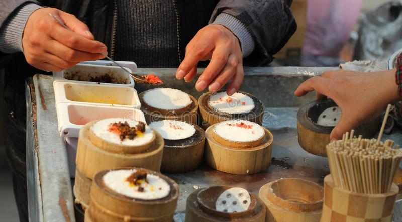 Vendedor de comida chino de la calle imágenes de archivo libres de regalías