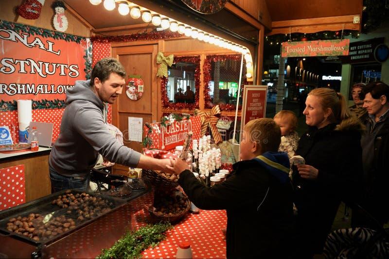 Vendedor de comida de la Navidad imagen de archivo