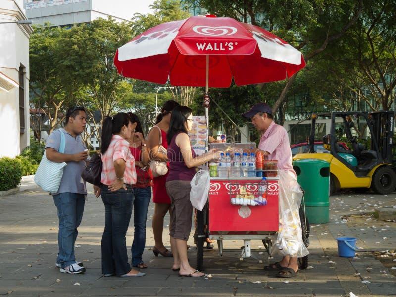 Vendedor do gelado fotografia de stock