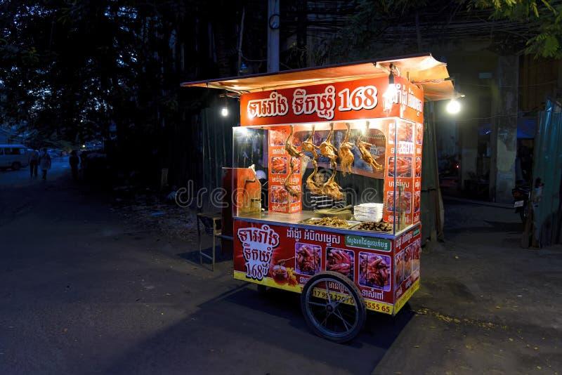 Vendedor Roasted do pato em Phnom Penh, Camboja imagens de stock royalty free