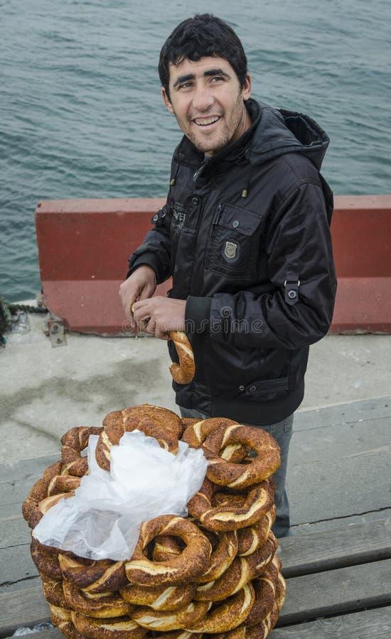 Vendedor turco del panecillo imágenes de archivo libres de regalías
