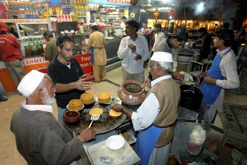 Vendedores ambulantes de calle en Islamabad, Paquistán imagen de archivo libre de regalías