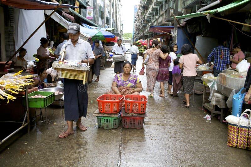 Vendedores ambulantes de Yangon Myanmar imagens de stock