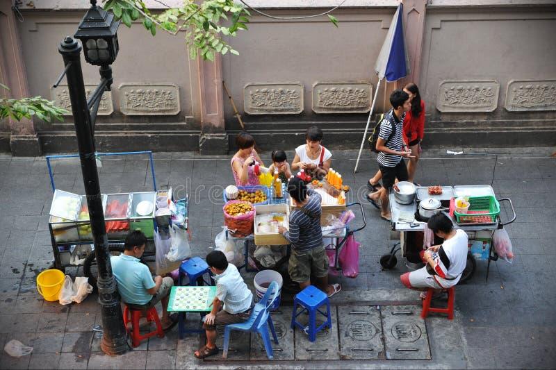 Vendedores ambulantes em Banguecoque foto de stock royalty free