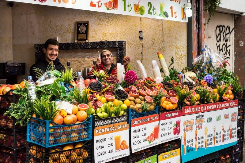 Vendedores del jugo de la calle de Turquía imagen de archivo