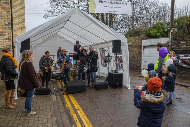 Vendedores e feira de participação 2018 do inverno da estrada do moinho de Cambridge do foodie foto de stock royalty free