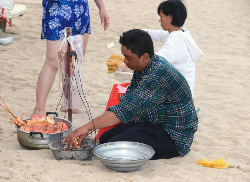 Vendendo a lagosta na praia fotografia de stock