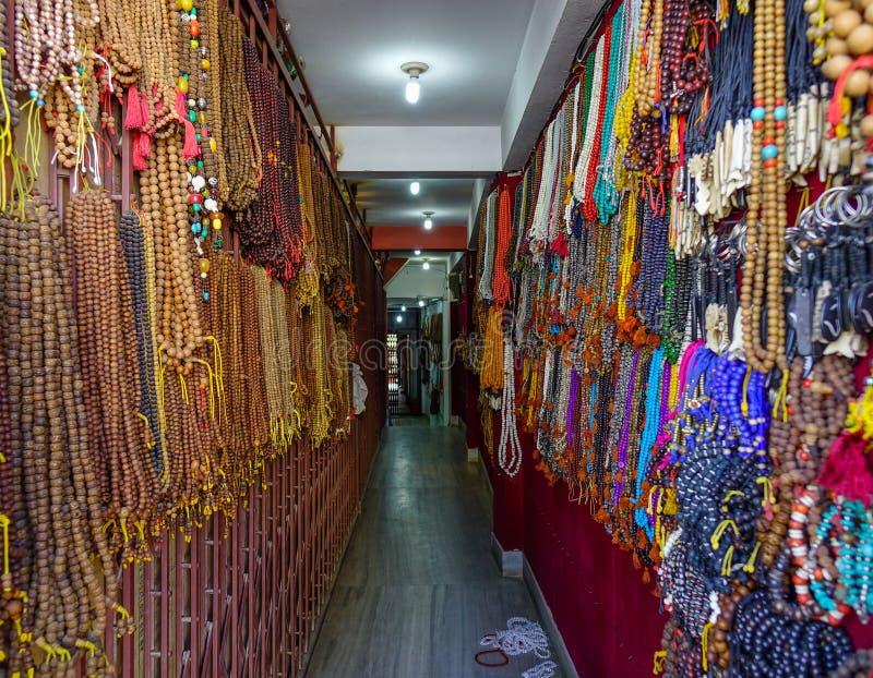 Vendendo lembranças em Kathmandu, Nepal fotografia de stock